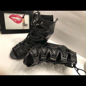 Women's shoes size 8.5
